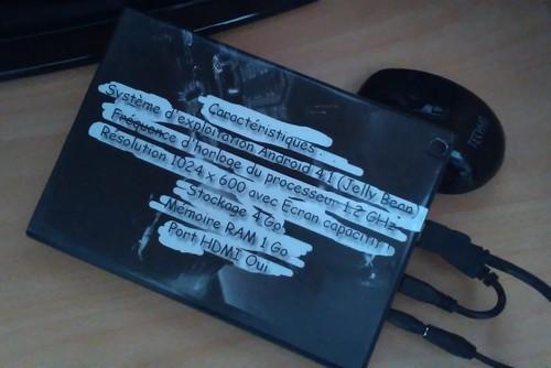 Tablette EcranCasséBoîtierDVDFinaliséDos